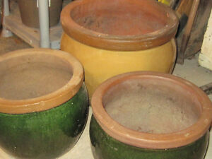 Assorted Vintage & New Flower Pots, Urns & Decor