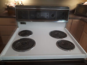 KENMORE STOVE FOR SALE.