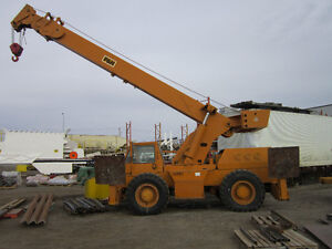 P&H  R200 20 Ton Rough Terrain Crane