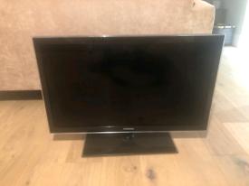 Samsung 32 inch tv on stand