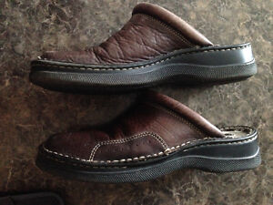 """*IN SEARCH OF*  Womens size 9-9.5 """"Pedari"""" Shoes"""