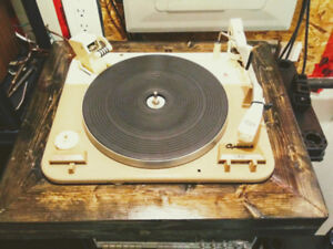 GARRARD TYPE A STEREO TURNTABLE RECORD PLAYER