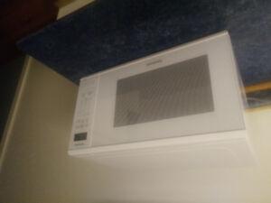 1.3 cu foot Panasonic Microwave