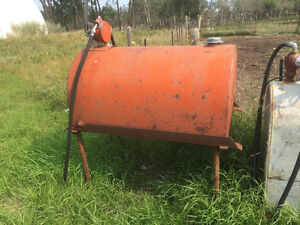 100 gallon slip tank on stand with manual pump