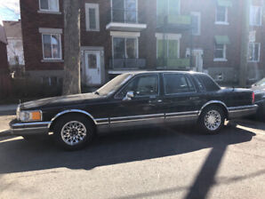 1990 Lincoln Town Car Signature Berline