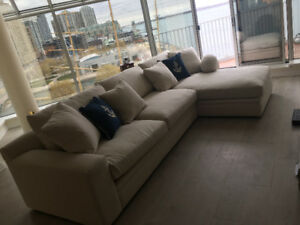 Large sectional sofa in good shape For Sale