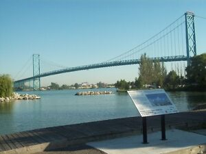RIVERFRONT views - 2 BR Condo at Harbourview – near University