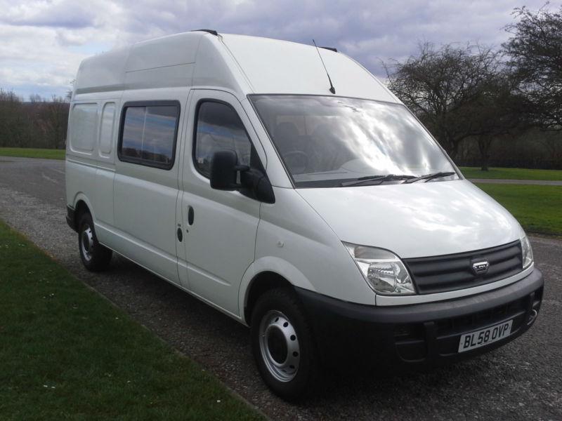 8f9652a94bdc1d LDV Maxus 9 Seat Transit LWB Size Crew Minibus Splitter Van