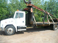 1995 FREIGHTLINER  WITH 60 BARKO LOADER