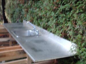 STAINLESS STEEL SINK AND COUNTER TOP