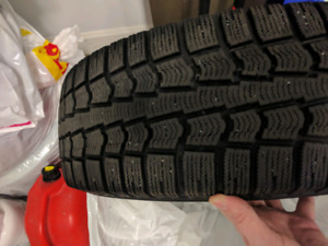 Four barely used 195 65 15 Pirelli Ice Control Winter Tires