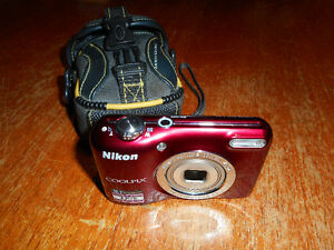 Nikon digital camera 16.1 megapixel with case