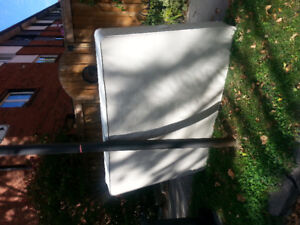 Curb alert! Double bed box spring Sealy