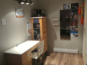 Chambre à louer meublée à Laval