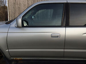 2000 Toyota 4runner SR5 4x4 Parting Out Peterborough Peterborough Area image 4