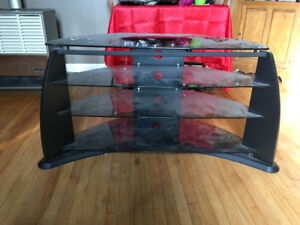 Sleek and sexy glass TV stand