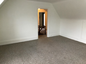 BEAMSVILLE UPPER UNIT AVAILABLE FOR RENT