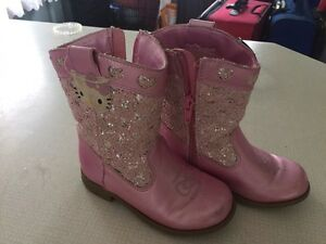 Girls cowboy boots size 8