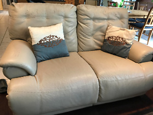 Powered Recliner Love seat and Sofa