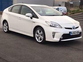 Toyota Prius Pearl white t-spirit leather xenon navigation uk model!