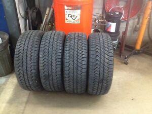 285/45R22 Bridgestone Dueler A/T Take off Tires