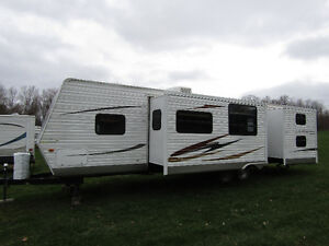 2010 Forest River, 35' Catalina, 2 Bedrooms, 2 slide-outs