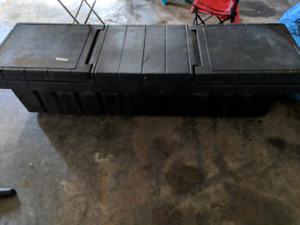 Gull wing truck tool box