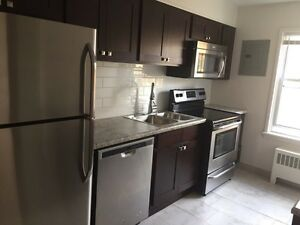 Mint! 1bed/939 western! Ivey school/WESTERN