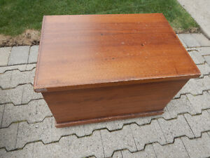 Storage Chest / Coffee Table