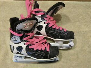 CCM 252 Tacks Kid's Skates Size 1.5