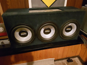 "3 12"" Clarion subs in sealed box with 1000 watt amp"