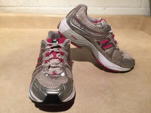 Women's New Balance Abzorb TS2 Lite Running Shoes Size 7 London Ontario image 6