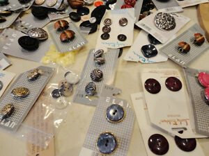 Selling the Motherload of Buttons! Over 800 NEW Buttons Kitchener / Waterloo Kitchener Area image 7