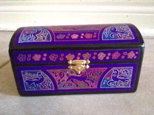 Wooden handpainted purple keepsake memory storage box London Ontario image 7