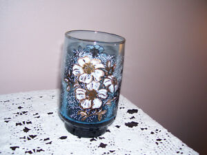 Dominion Glass White and Gold flower juice glass