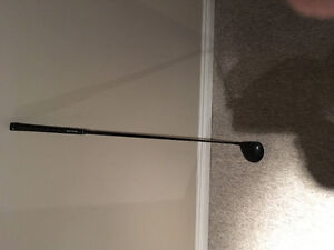 Titleist 910 D excellent condition .  I bought a new one.
