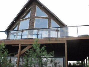 LUXURY LAKE HOUSE / CABIN - GREAT FOR LARGE GATHERINGS