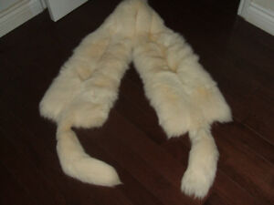 STUNNING DOUBLE PELT ARCTIC FOX FULL BODY WRAP STOLE