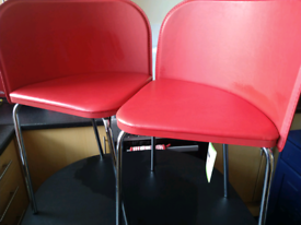 Trendy Hygena table & chairs
