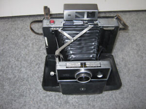 Antique Polaroid Automatic 250 Land Camera