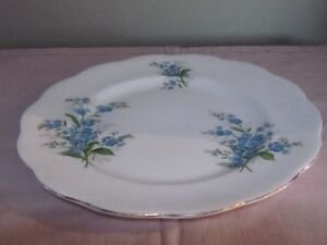 ROYAL ALBERT FORGET-ME-NOT CHINA FOR SALE! Cambridge Kitchener Area image 6