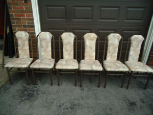 6 MINT CONDITION RETRO CHAIRS - VERY STURDY
