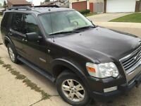 2007 Ford Explorer XLT 4 x 4 4.6 L 6 speed auto trans