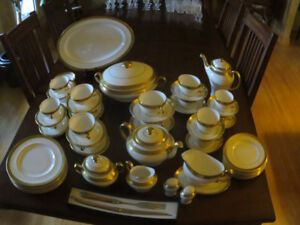 Minton China -- Buckingham Pattern