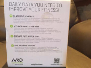 Mio Fuse Heart Rate Training and Activity Tracker Band - NEW