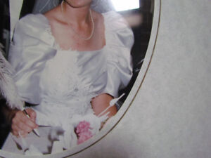 1986 Wedding Gown - Satin Lace mini-pearls Size 7