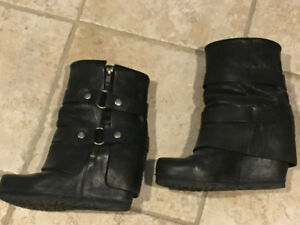 VERA WANG WEDGE BOOTS SIZE 7.5