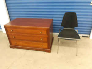 Low profile solid dresser