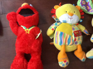 Tmx Elmo and cute as a button lion $4.50 no charge delivery Kingston Kingston Area image 1