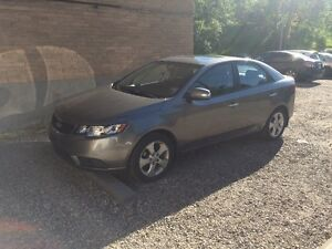 2010 Kia Forte EX w/Sunroof Sedan